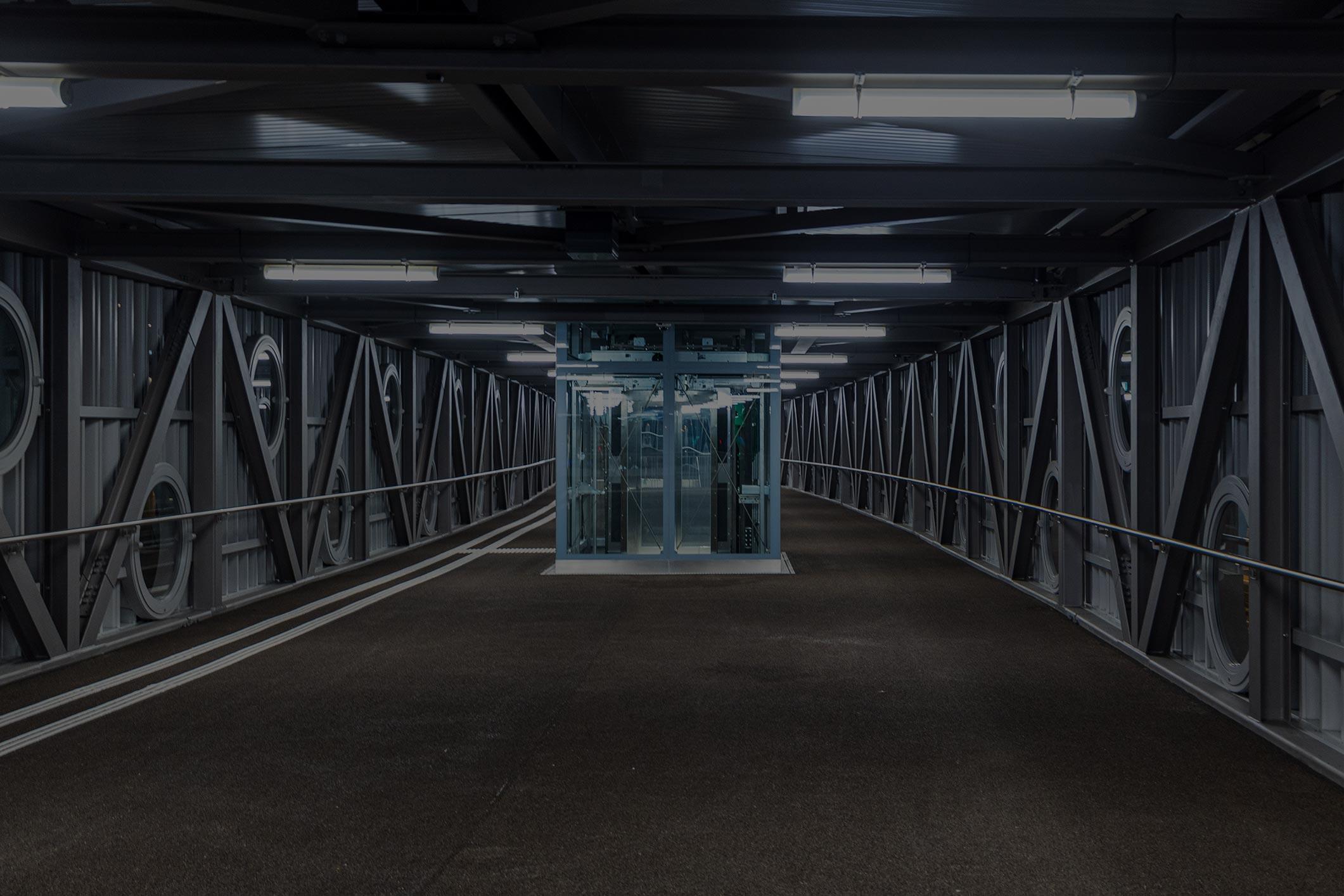 passage-centered-2121×1414